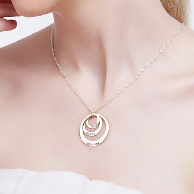 Sterling Silver Noble Engraved 3 Names Disc Necklace for Mother