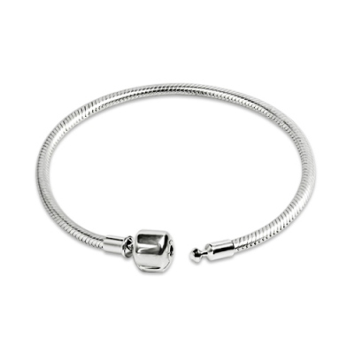 Striking Sterling Silver 925 Snake Chain Clasp Bracelet