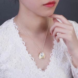 three plating necklace